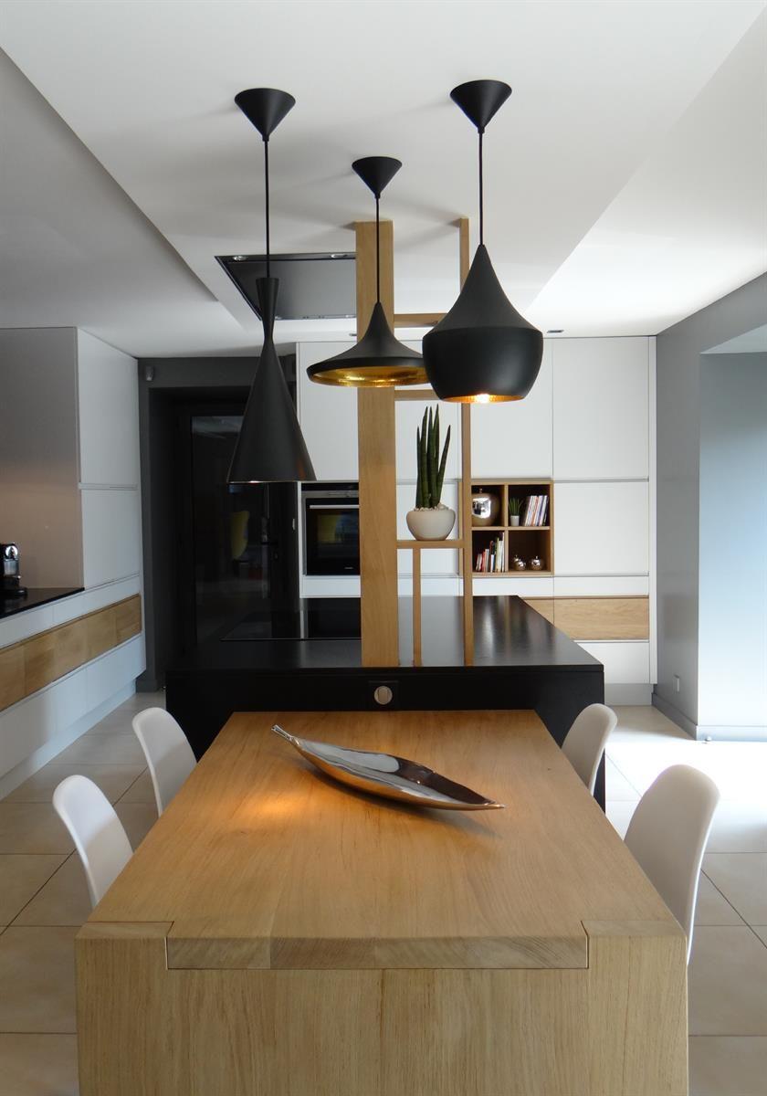 cuisine tout en longueur dans cuisine d 39 architecte sur mesure id e d coration de cuisines. Black Bedroom Furniture Sets. Home Design Ideas
