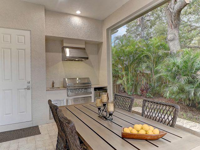 Outdoor Kitchen Seamlees Screen On Pool Cage Luxury Homes Sarasota Modern House