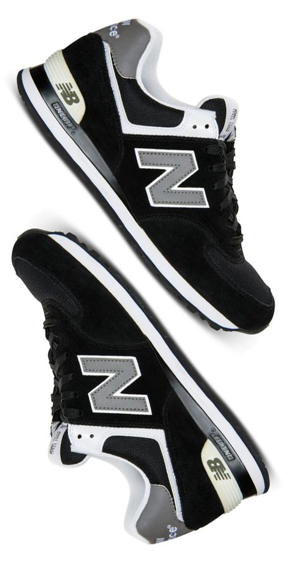 NB sneakers in black comfy and versatile! These can be