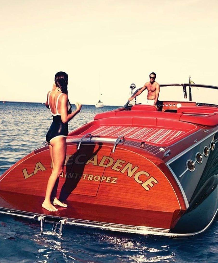 Aca encontraras todo sobre lanchas y embarcaciones saint tropez lancha barcos autos - Todo sobre barcos ...