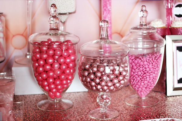 Candy Jar Decorations How To Set Up A Candy Buffet Stepstep Instructions  Buffet