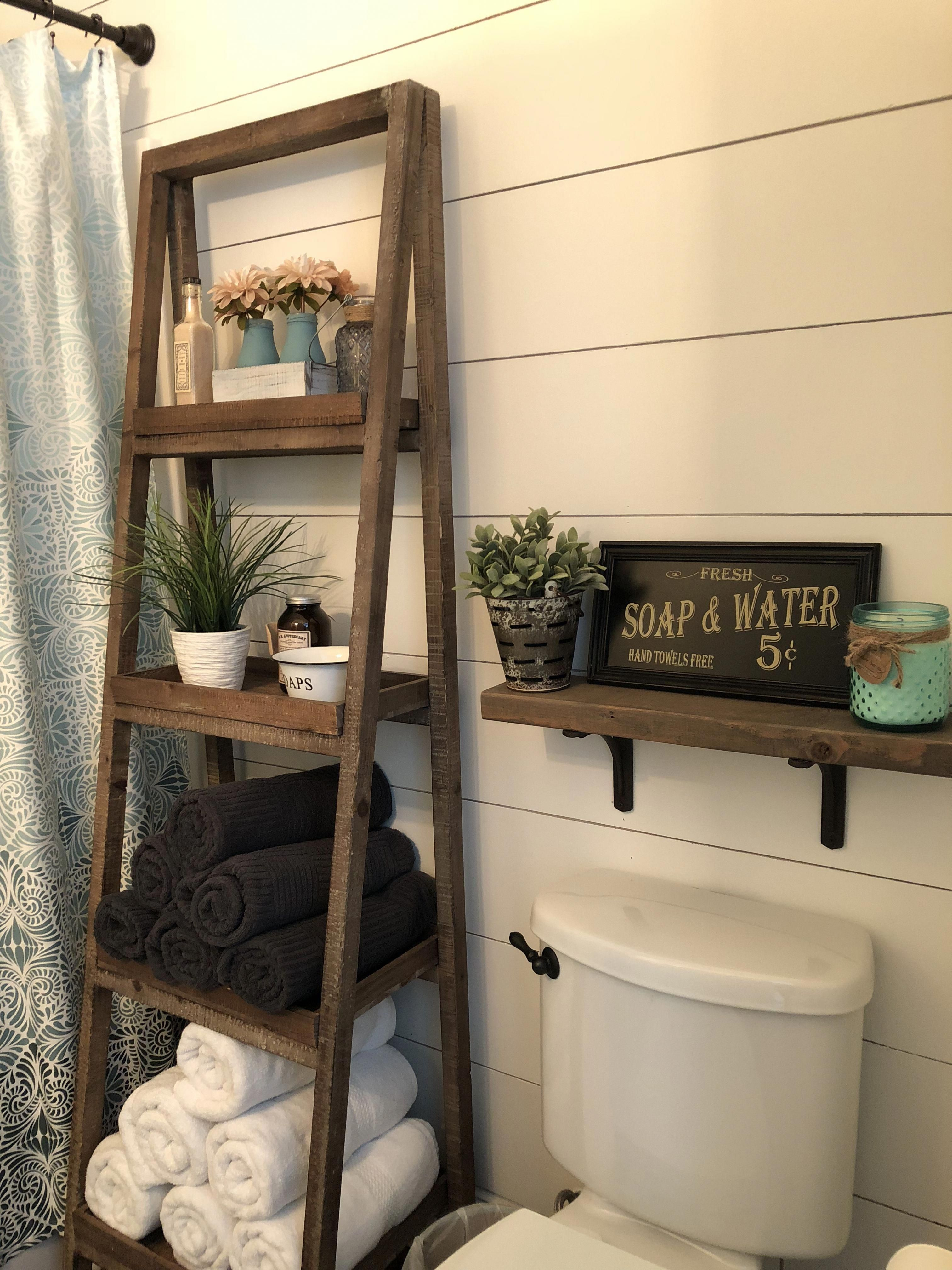 Bathroom In 2020 With Images Small Bathroom Decor Farmhouse Bathroom Decor Diy Bathroom Decor