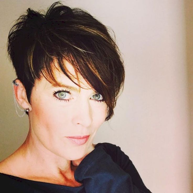 Classy Short Pixie Haircuts And Hairstyles For Thick Hair 29