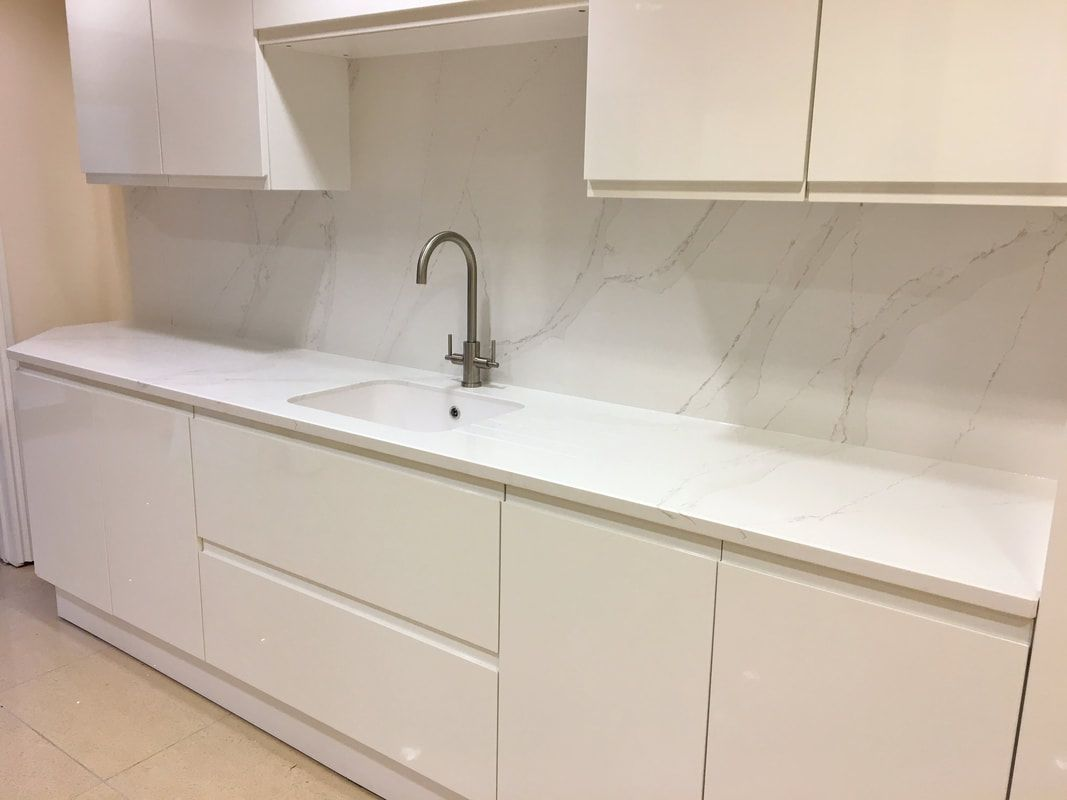 Best Image Result For Calacatta Gold Silestone Images Hood 400 x 300