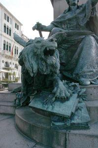 annessione veneto, l'annessione di Venezia al Regno d'Italia, che non fu voluta dal popolo, fu un'aberrazione nella sua storia quasi quanto la sua appartenenza alla Monarchia Asburgica e all'Impero di Napoleone.