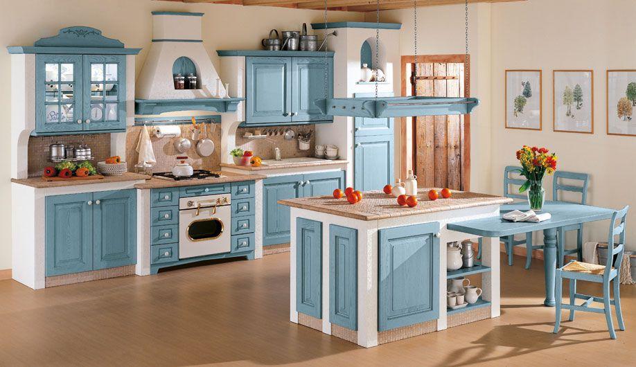 Cucina in muratura interamente in massello di legno laccata azzurra ...