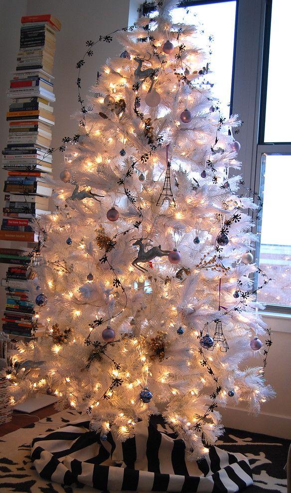 Chic black-and-white Christmas tree Seasons Pinterest
