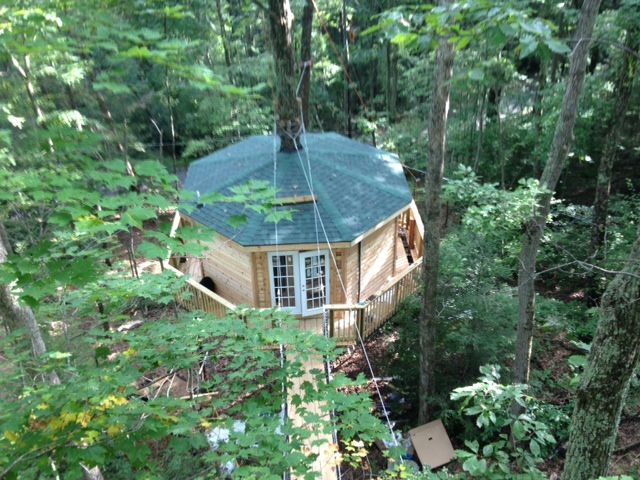 Merveilleux Sleep Underneath The Forest Canopy At This Epic Treehouse In West Virginia