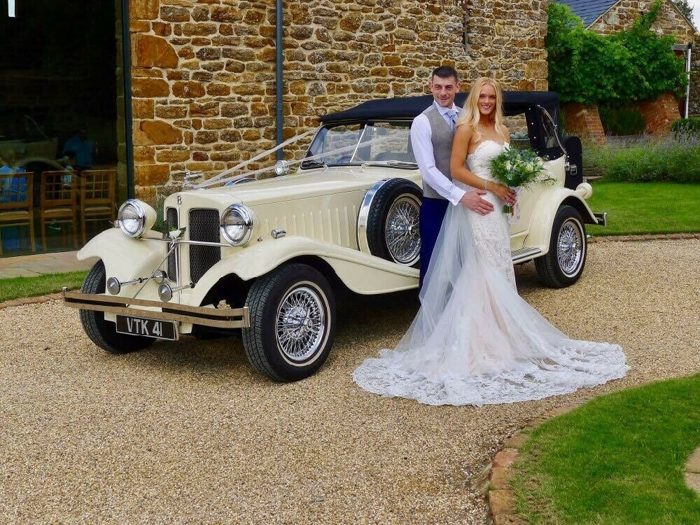 Vintage Wedding Car Hire Near Me In 2020 Vintage Car Wedding Wedding Car Hire Wedding Car