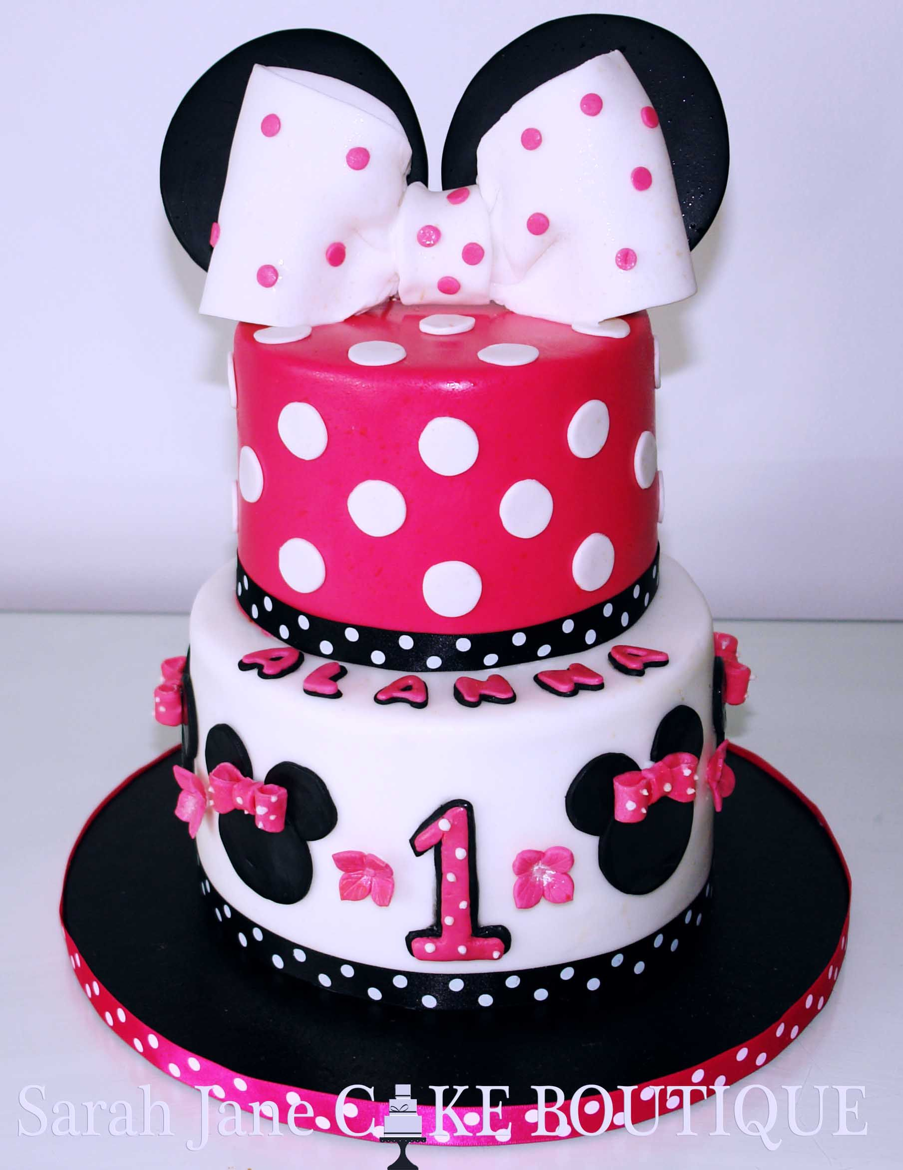Minnie Mouse Cake Two tier fuschia black and white minnie mouse