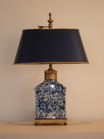 For Hundreds Of Years The Netherlands Has Been A Wonderful Source For Chinoiserie From The Early 17th Century Tin Glazed Pott Blue And White Lamp Lamp Decor