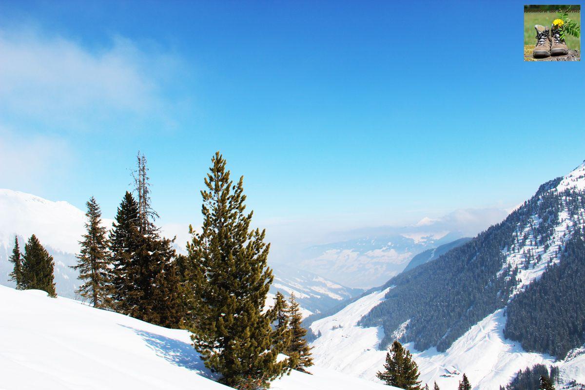"""""""Um die Berge herumzugehen ist genauso wichtig, wie auf deren Gipfel zu steigen."""" Heinrich Harrer Wir wünschen eine angenehme Wocheteilung."""