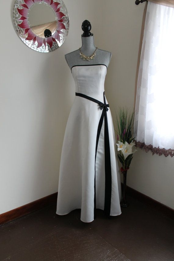 0a7878c057e White and Black Strapless Formal Gown by Jessica by RalphsCloset