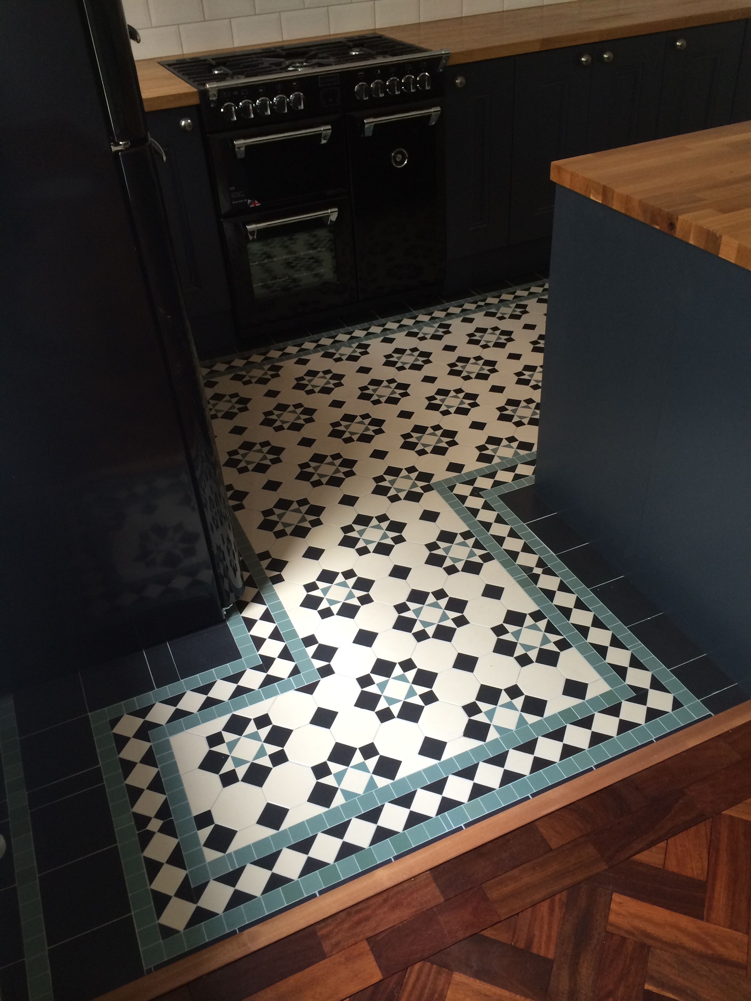 London Mosaic Tiled Victorian Floor Modern Kitchen Traditional Floor Contact Us For More Informati In 2020 Mosaic Tile Kitchen Kitchen Floor Tile Victorian Tiles