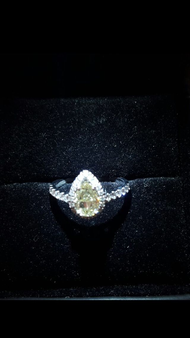 1 carat natural fancy yellow diamond pear shape