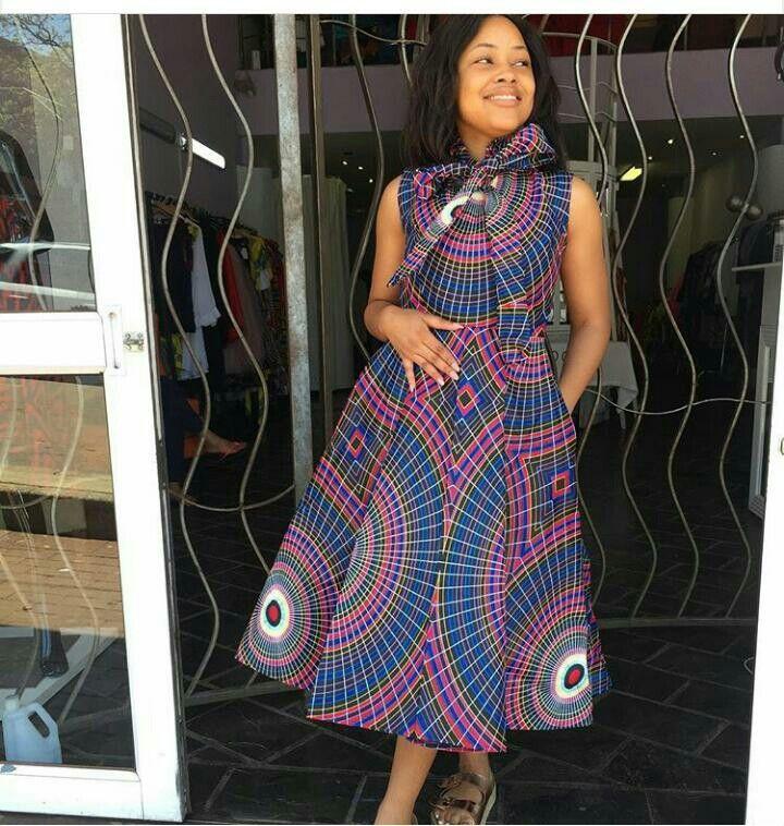 pingl par haysia sur mode femme pinterest tailleur femme tailleur et pagne. Black Bedroom Furniture Sets. Home Design Ideas