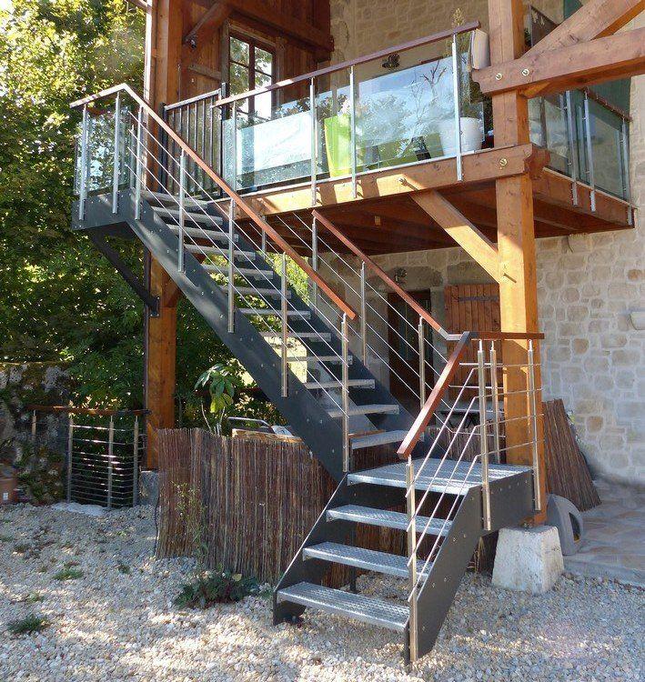 Escalier ext rieur sur mesure loft avec limons en stratifi composite marches caiboti m tal et - Main courante escalier exterieur ...