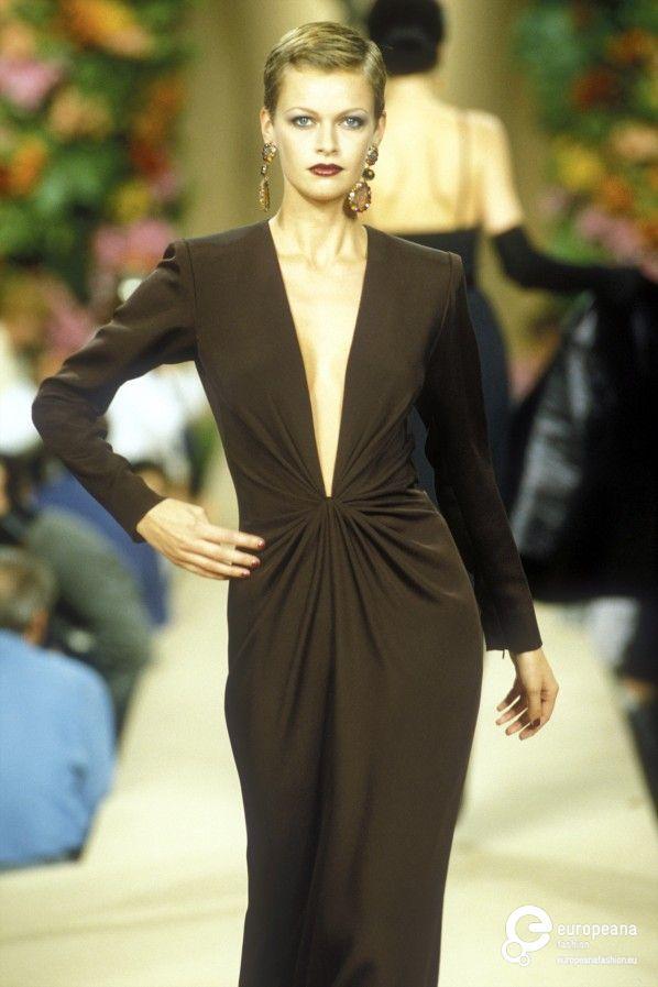 yves saint laurent autumn winter 1996 couture on haute couture. Black Bedroom Furniture Sets. Home Design Ideas