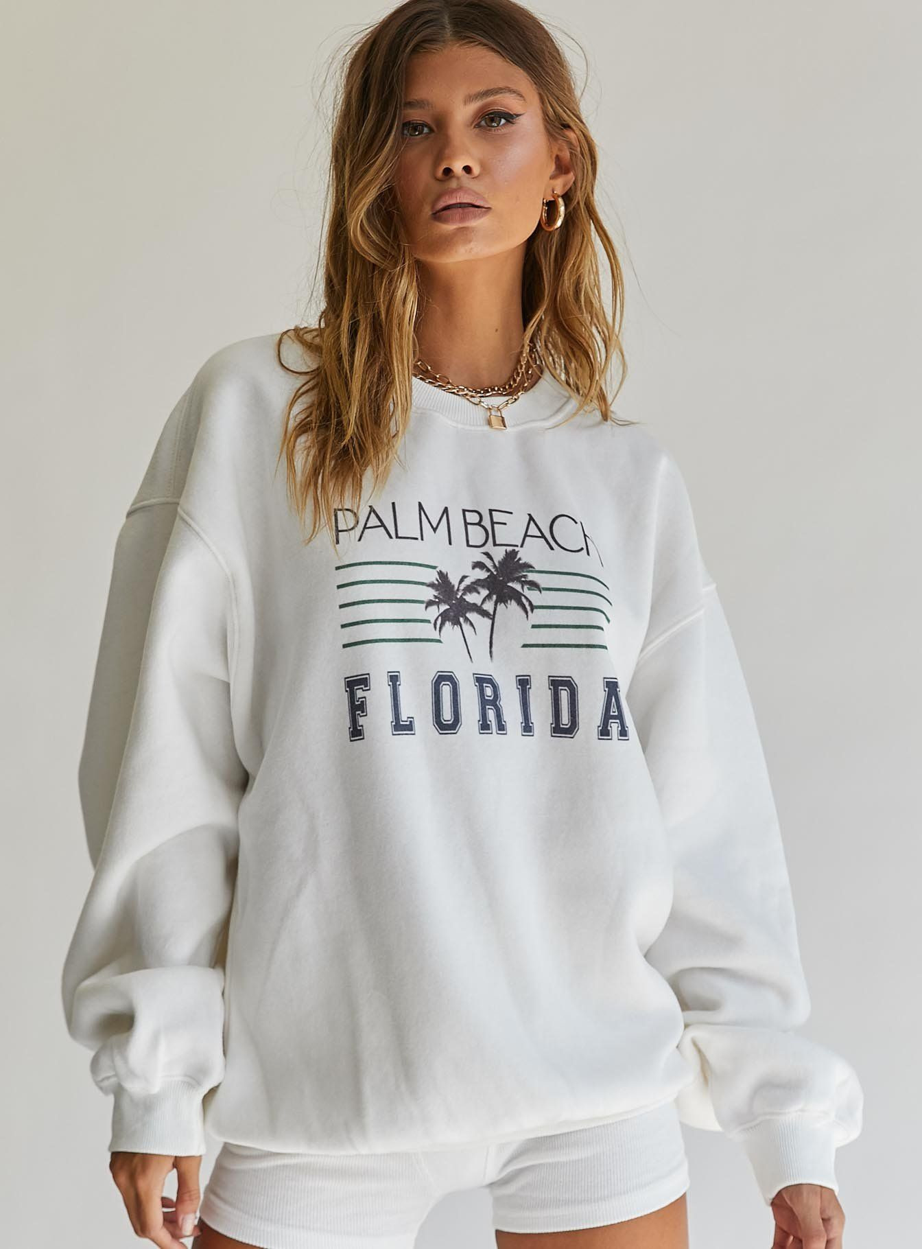 Palm Beach Oversized Crewneck Sweatshirt White In 2021 Oversized Crewneck Crewneck Sweatshirt Outfit Vintage Crewneck [ 1820 x 1344 Pixel ]