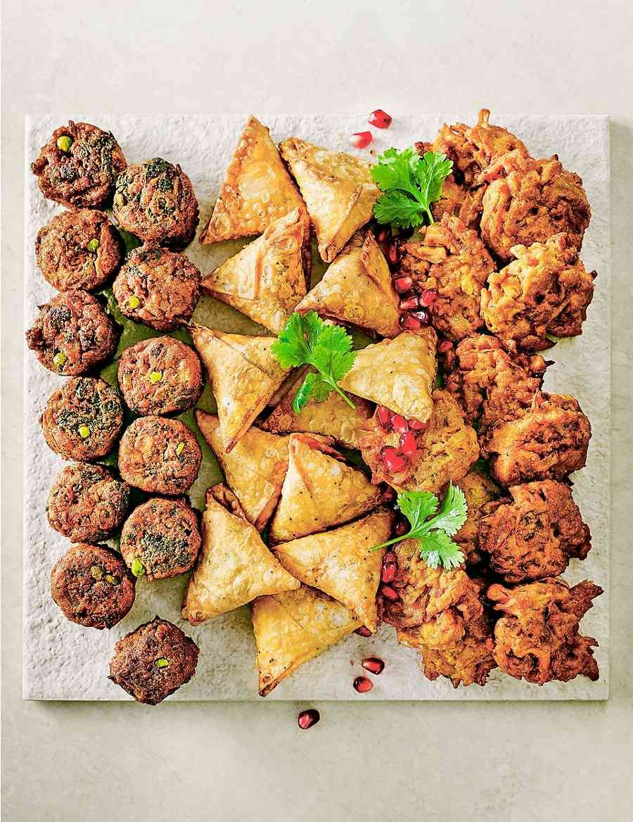 Indian Style Snack Selection 36 Pieces Food Party Food Buffet