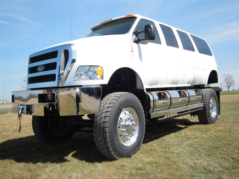 Ford (F750???) Excursion 4x4