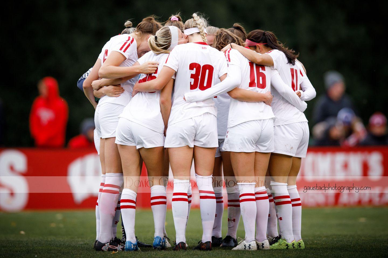 University Of Wisconsin Badgers Women S Soccer Team Women S Soccer Team Womens Soccer Sports Photograph