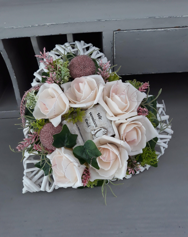 Grabschmuck Herz mit Engel Grabaufleger Trauergesteck Allerheiligen Totensonntag