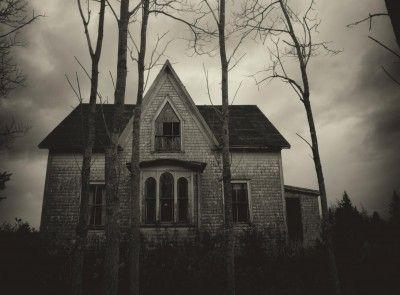 How To Ghostbust Your Home Creepy Houses Spooky House Dark House