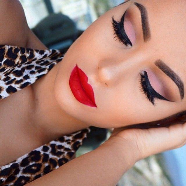 Flawless Makeup Amrezy Pink Eyeshadow Winged Eyeliner False