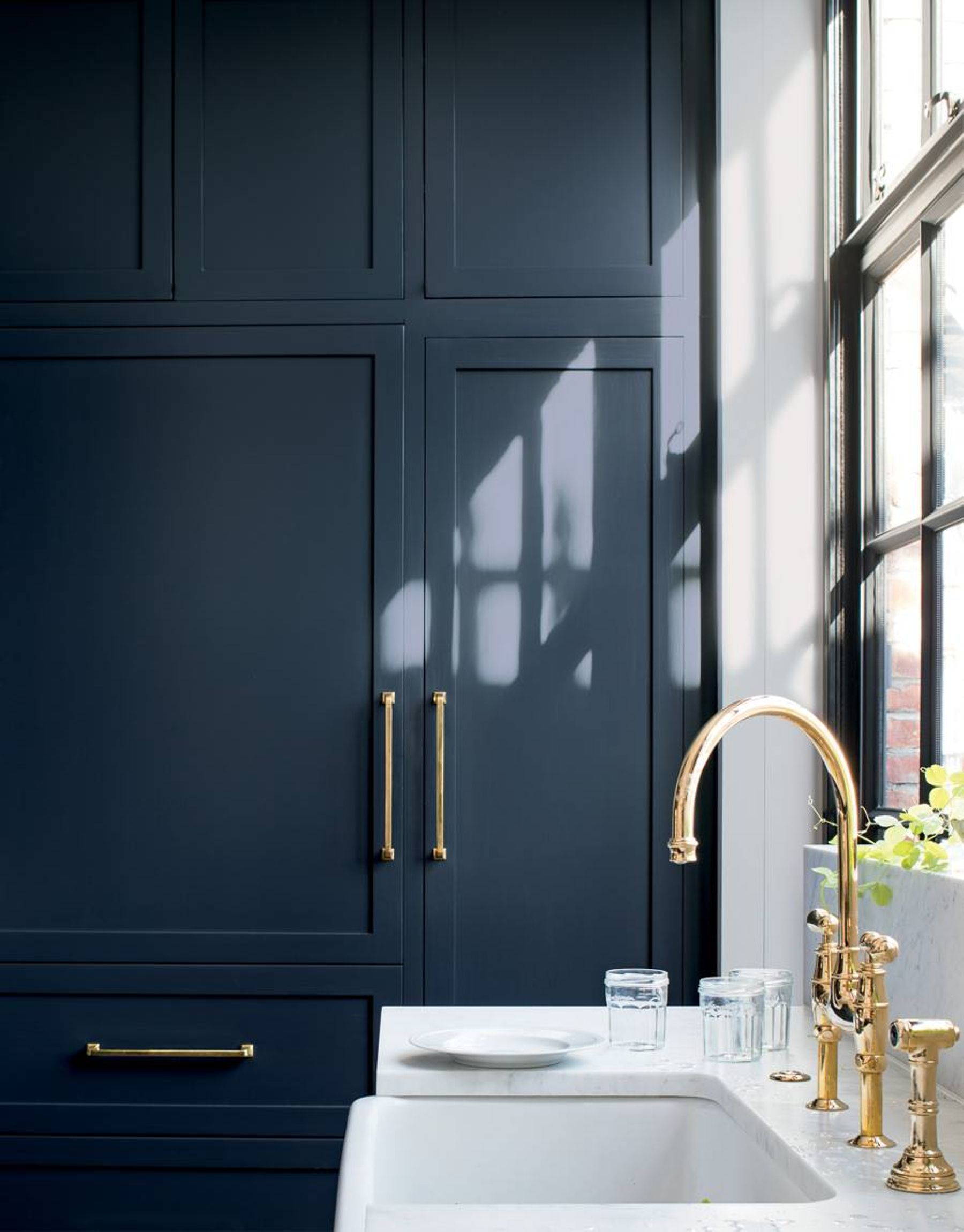 Bleu Marine Inspirations La Piece Kitchen Cabinet Colors Blue Kitchen Cabinets Navy Kitchen