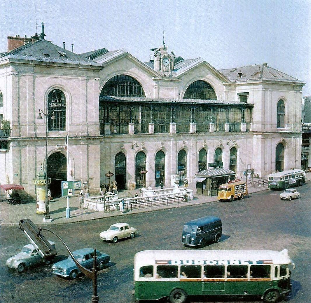 Hotel De La Paix Montparnasse Lancienne Gare Montparnasse A Paris A La Fin Des Annaces 1950