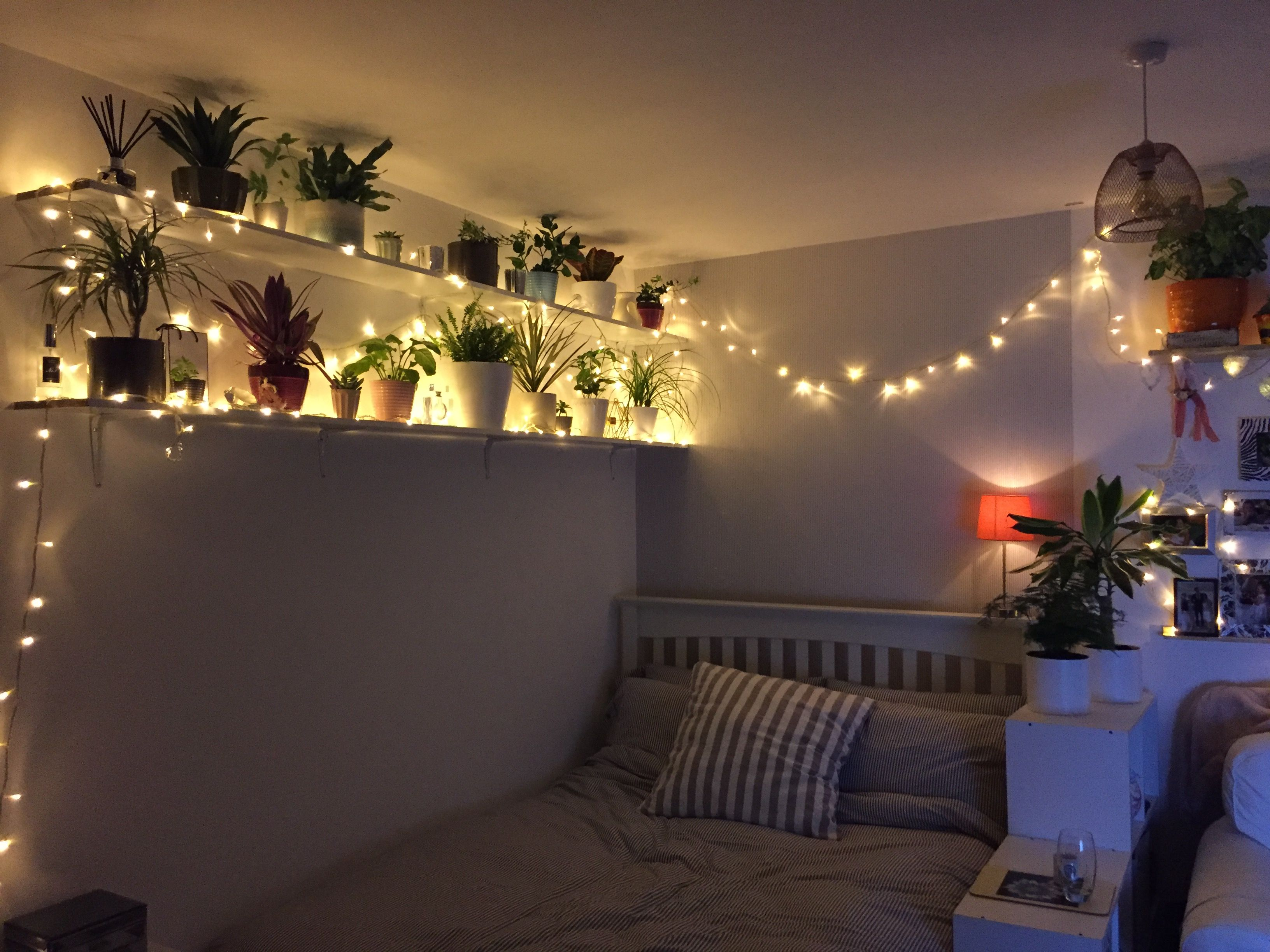 Fairy lights (With images) Aesthetic rooms, Music room