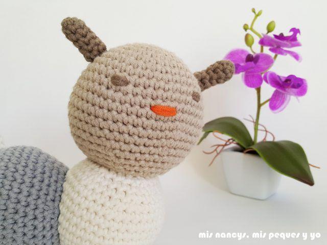 Gusano amigurumi bicolor | Pinterest | Gusanito, Bicolor y Pecas
