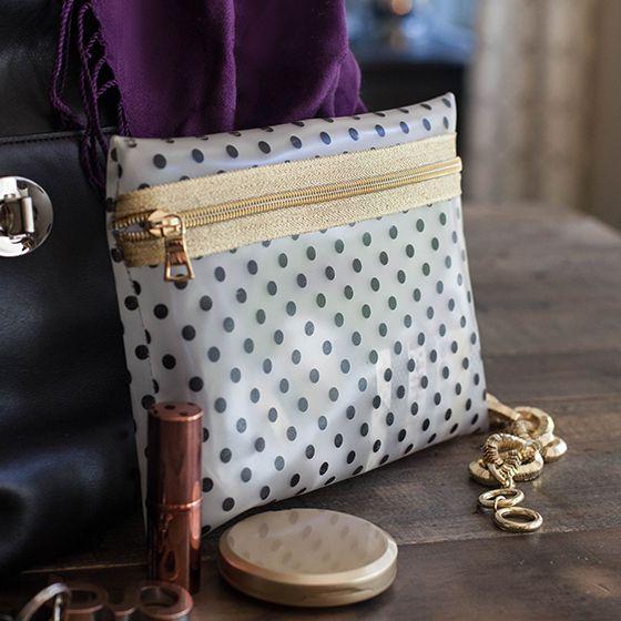 Diy Vinyl And Gold Zipper Make Up Bag Diy Makeup Bag