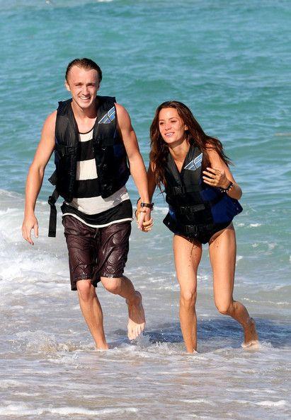 Bonnie wright and tom felton dating