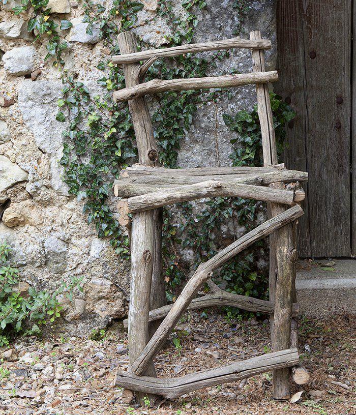 Une chaise en branches de bois en 2018 vieux bois toujours beaux bois branches et chaise - Chaise bois flotte ...