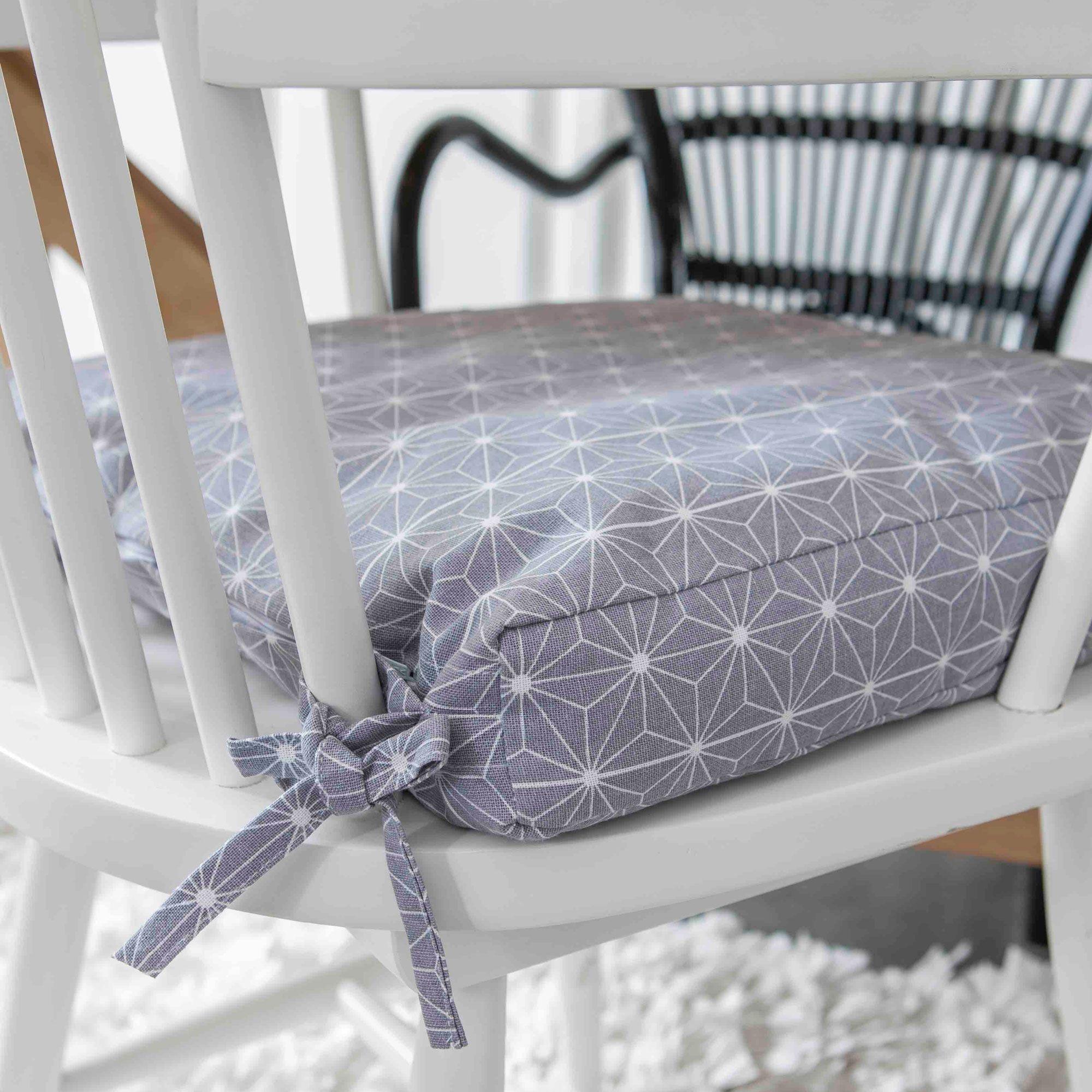 Galette de chaise déhoussable à nouettes coton imprimé rosaces