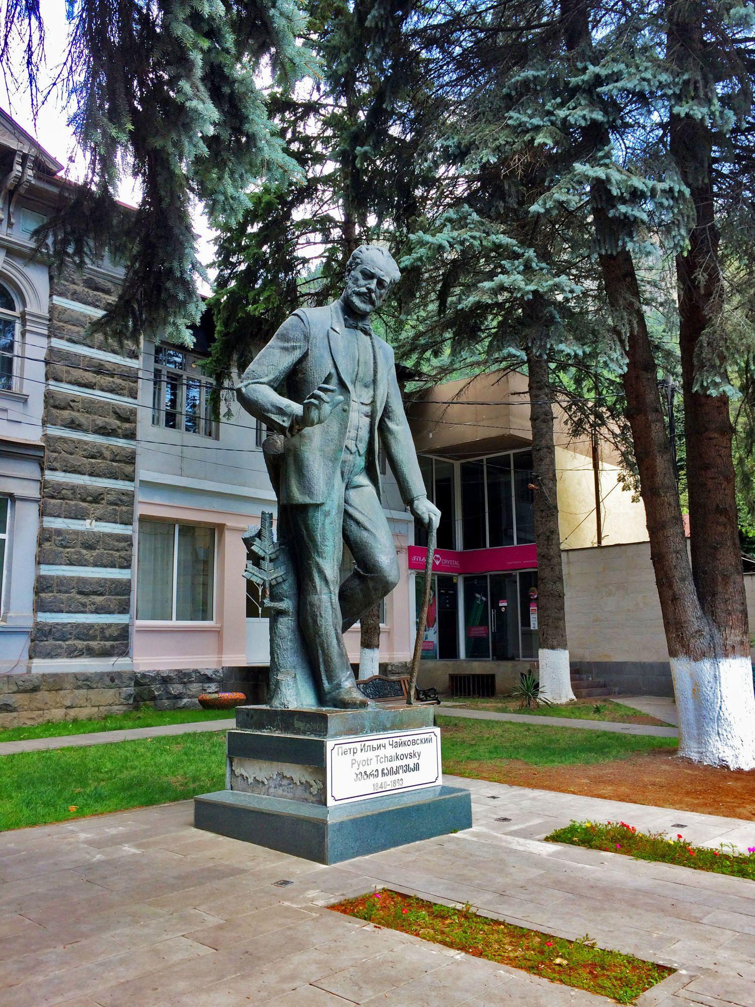 обязательно нужно фотографии памятники чайковскому часто перед постановкой