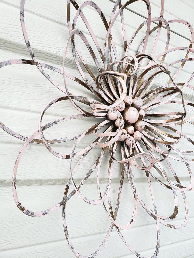 Metal Flower Wall Art Fence Flowers Wire Flower Wall Decor Etsy Metal Flower Wall Art Metal Wall Flowers Flower Wall Art
