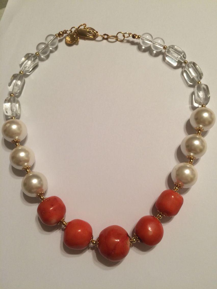Collar en perlas, cristales y coral