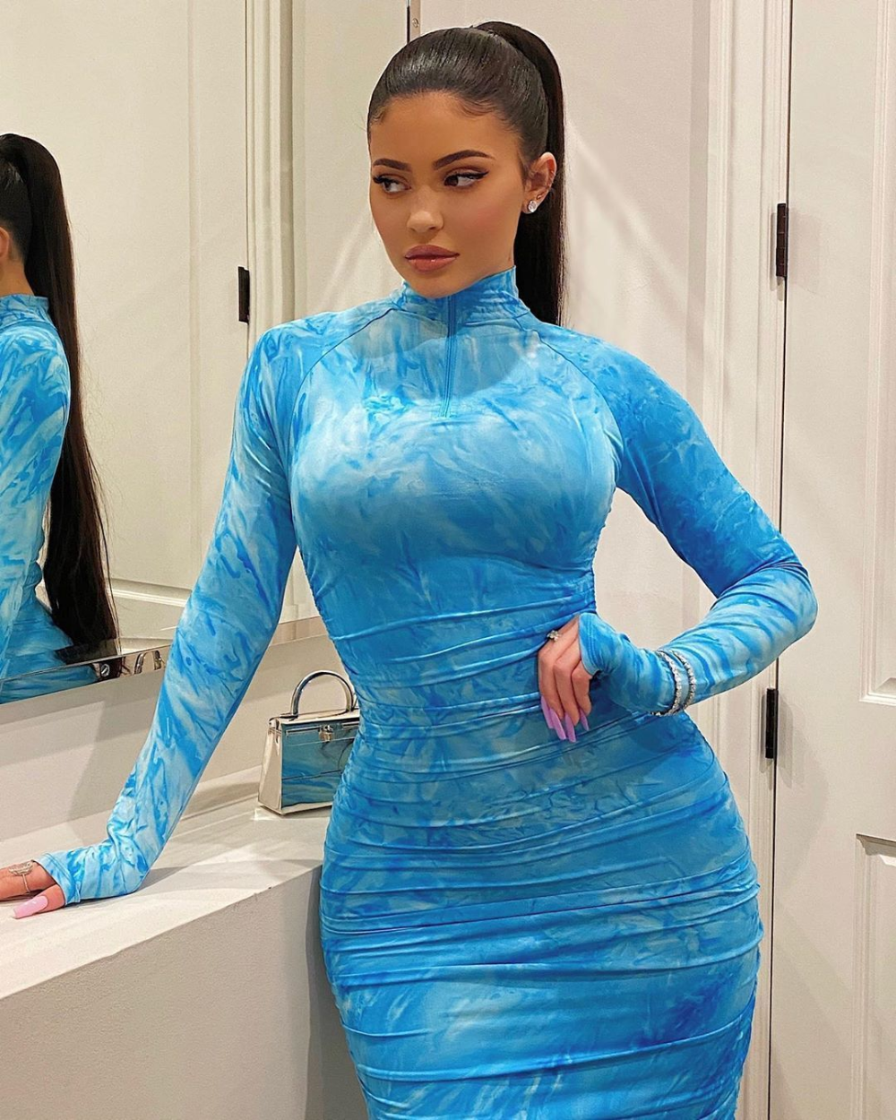 Kylie Jenner Blue Ruched Bodycon Dress Autumn Winter 2020 on SASSY DAILY – Models & Beautiful Girls