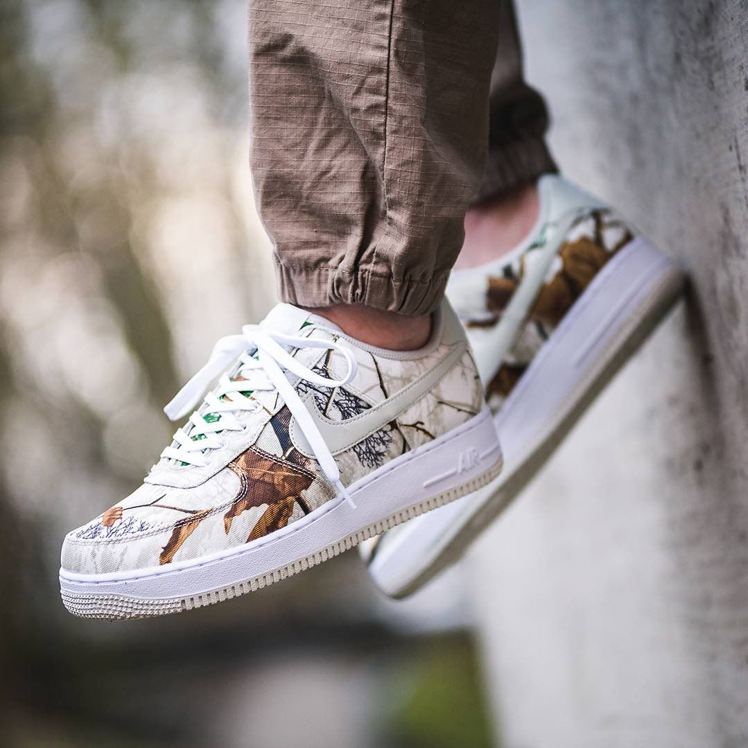 san francisco 8c6f4 bc42c Nike Air Force 1  07 LV8 3 « Realtree Camo » White   Bone  isds.co sc AO2441-100 Credit   43einhalb —  nike  airforce  sneakerhead   sneakersaddict  sneakers ...