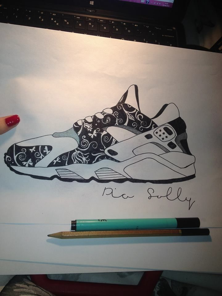 Nike huarache, drawn with a pen and pencil
