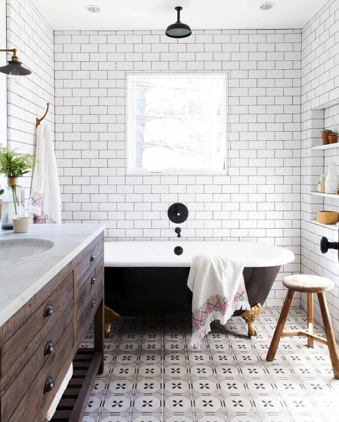 Pretty Monochrome Bathroom Modern Farmhouse Bathroom Bathroom
