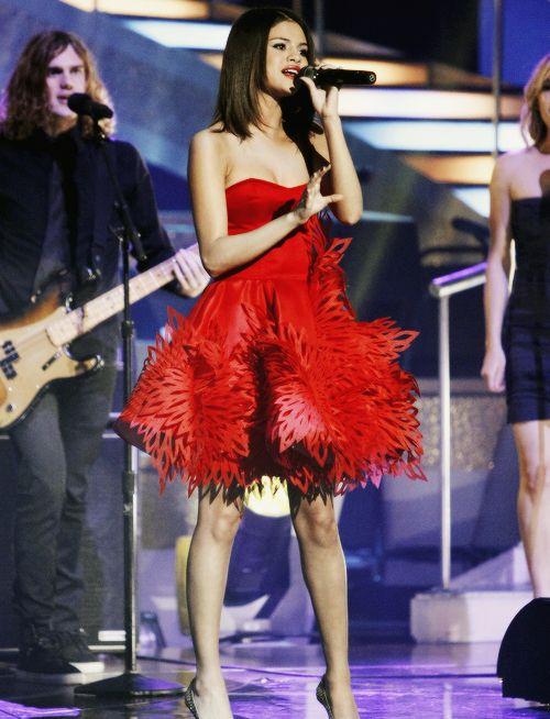 Pin by ╚»★«╝ɢѧɢѧsɰıғţ╚»★«╝ on ѕєℓєиα gσмєz ℓινє | Selena ...