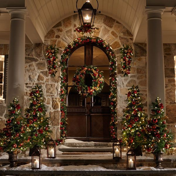 5 Tips for Putting Christmas Sparkle on Your Porch