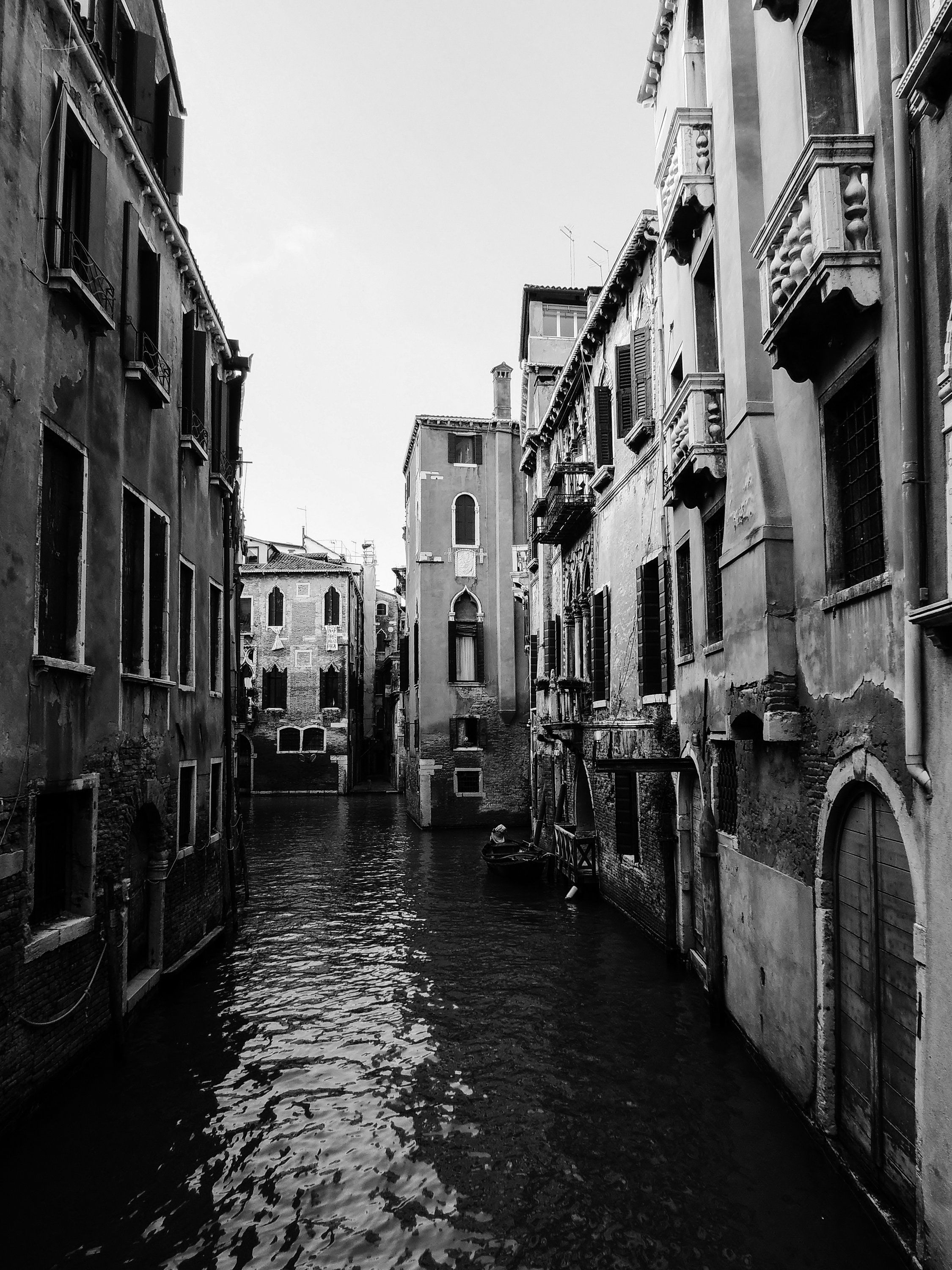 Venice Canal Printable Black And White Art Europe Travel Etsy Black And White Picture Wall White Aesthetic Photography Black And White Photo Wall