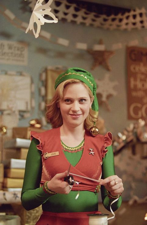 Discover Some Elf Photos Ign Zooey Deschanel Zooey Deschanel Elf Holiday Movie