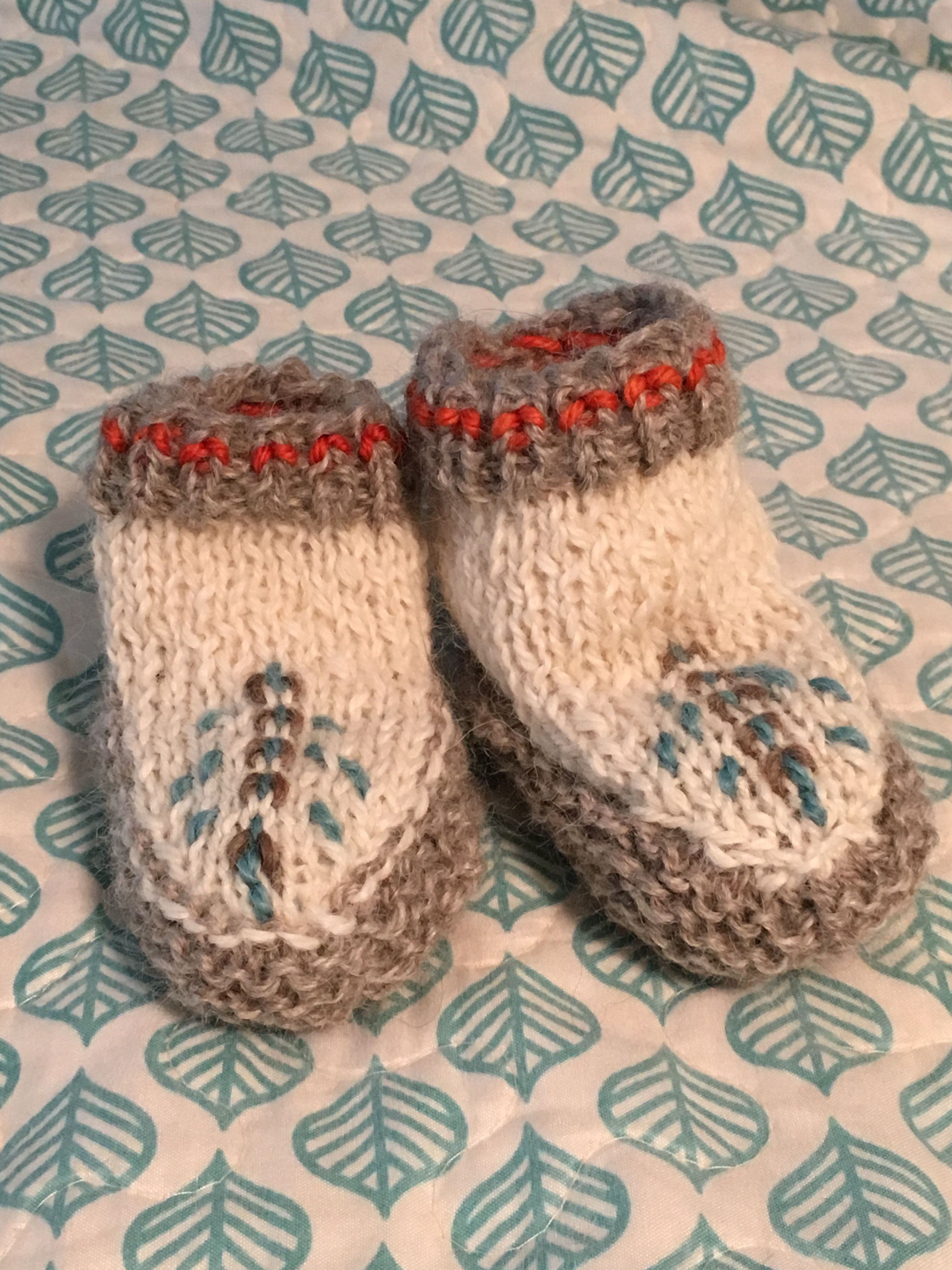 Free pattern with Purl Soho | Knitting | Baby moccasins