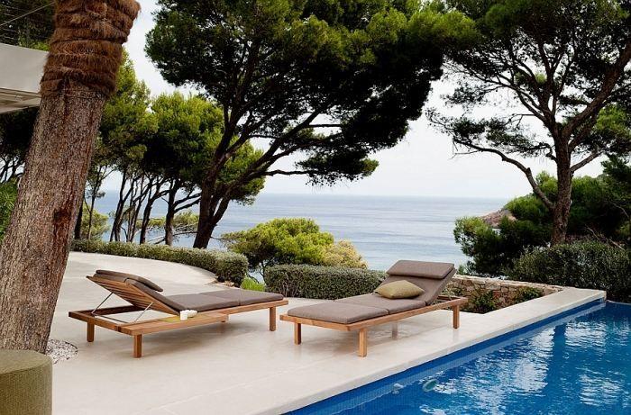 relax-möbel für den außenraum-holzliegen mit polster-auflagen, Möbel